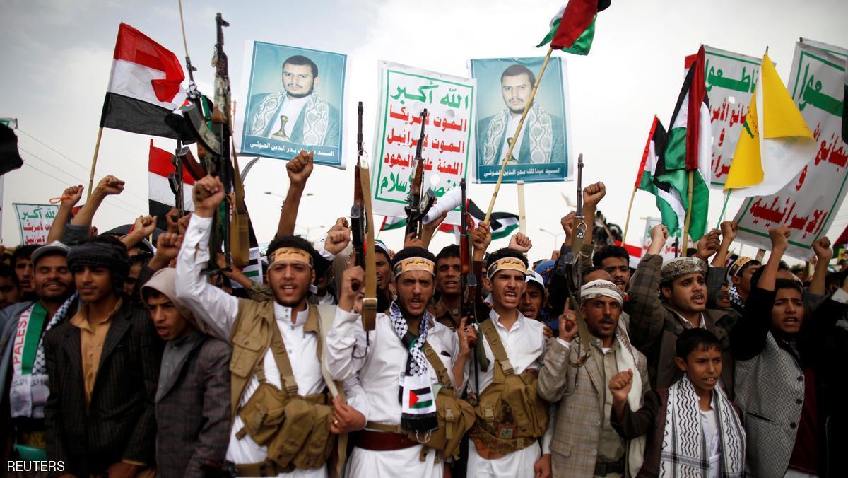 فيما القيادي أسامة ساري توعد بشنق بن حبتور بميدان التحرير : الصراعات بين القيادات الحوثية تنفجر وتخرج للعلن وسط اتهامات متبادلة مدعمة بالوثائق بنهب ملايين الدولارات ( تفاصيل طارئة )