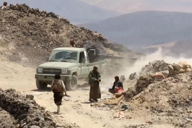 الحميقاني يكشف سبب سيطرة الحوثيين للمناطق مجددا و انسحاب المقاومة من مواقعها في الزاهر بمحافظة البيضاء