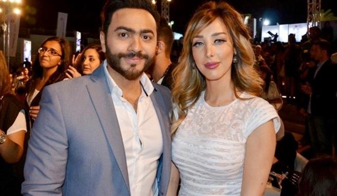 هذه هي زوجة تامر حسني السرية ..والمفاجأة في رد فعل زوجته المغربية