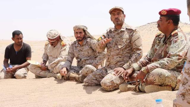 """الفريق """"بن عزيز""""  يلوح للنصر الكبير .. سنحتفل  بالعيد الوطني في العاصمة صنعاء قريبا"""